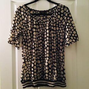 🦋 Short Sleeve Black and Cream Polka Dot Top 💜